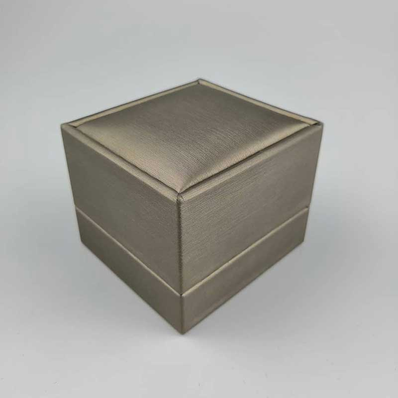 Engagement-Ring-Jewelry-Boxes-2