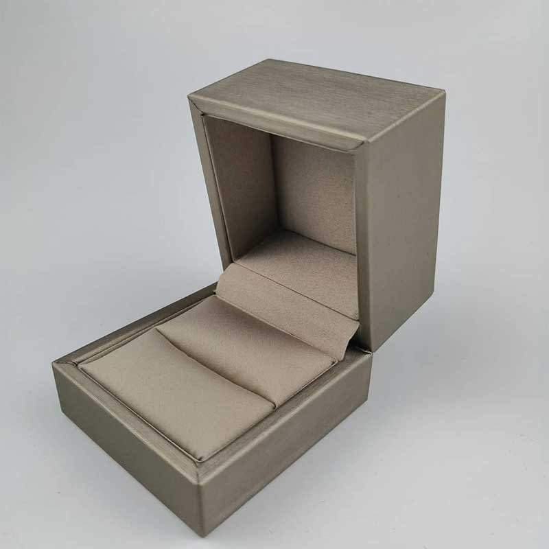 Engagement-Ring-Jewelry-Boxes-3