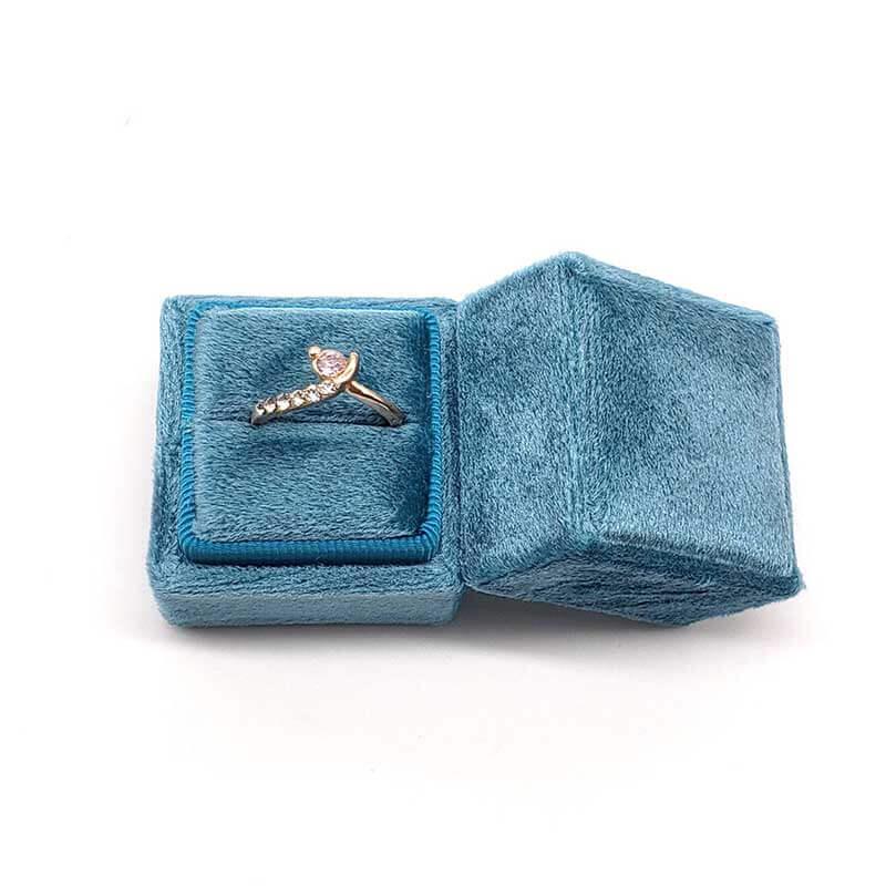 Small Tetragonum Velvet Ring Boxes-1