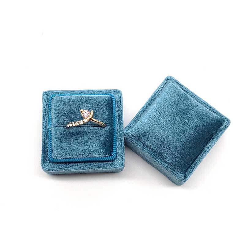 Small Tetragonum Velvet Ring Boxes-2
