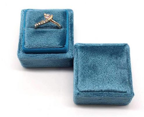 Small Tetragonum Velvet Ring Boxes -3