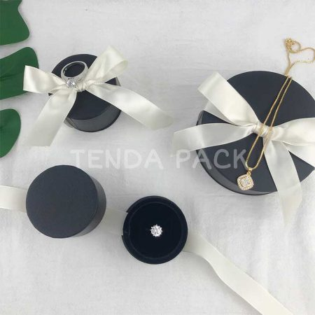 Round Jewellery Box With Ribbon for Ring : Earrings-4
